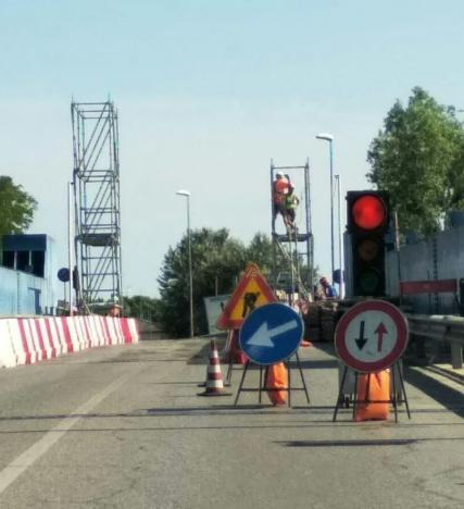 """Chiusura totale del ponte: """"Colpa degli adriesi indisciplinati"""""""