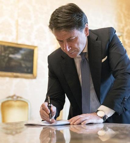 Ultima ora, Conte ha firmato il nuovo Dpcm. Ristoranti e bar chiusi dalle 18