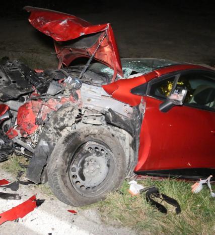 Schianto spaventoso, auto distrutte, 45enne in prognosi riservata