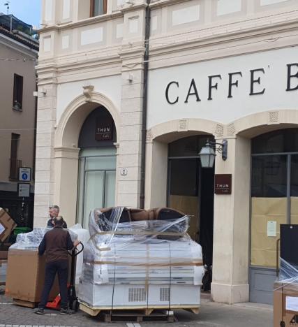 Caffè Borsa, Thun trasloca: il passaggio di gestione si avvicina