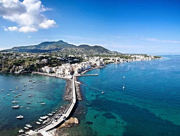 Capri, Procida e Ischia  paesaggi senza tempo