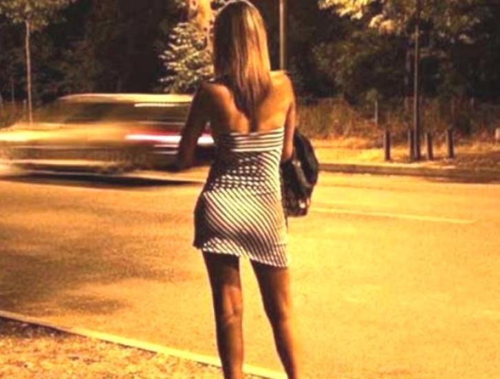 Prostituzione: siete favorevoli o contrari alla riapertura delle case chiuse