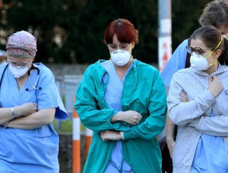 Altri 11 decessi e 215 contagiati in una notte