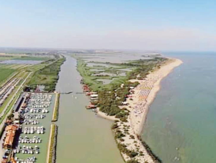 Barricata spiaggia ecosostenibile