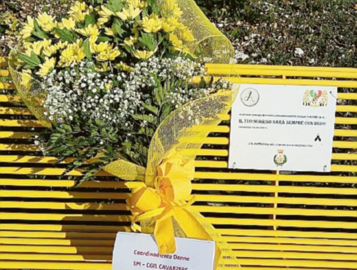 Sfregio al ricordo di Maila, rubati i fiori dalla panchina