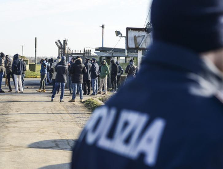 Cona, trasferiti altri profughi: la base sarà davvero chiusa entro Natale!