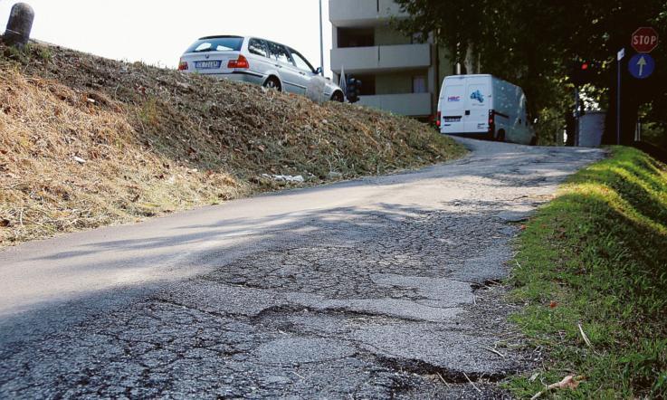 Hanno asfaltato una strada già a posto - La Voce di Rovigo 91471abba88e