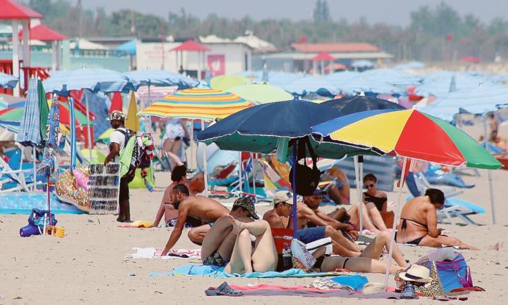 Meteo, colpo di scena: nuova ondata di caldo. Da giovedì torna l'estate