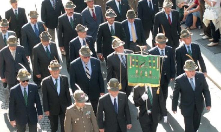 No al cappello dell Alpino al funerale br   Nicola Finco (Lega ... 5ab1cd09d43b