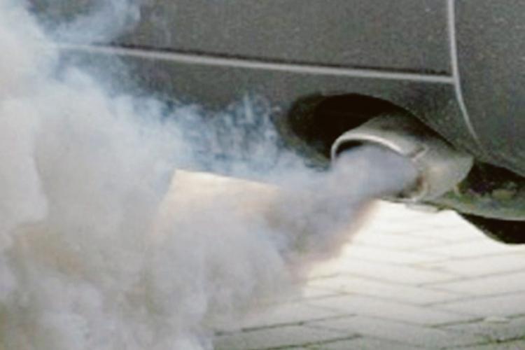 Smog, adesso si fa sul serio: partono i controlli sulle auto
